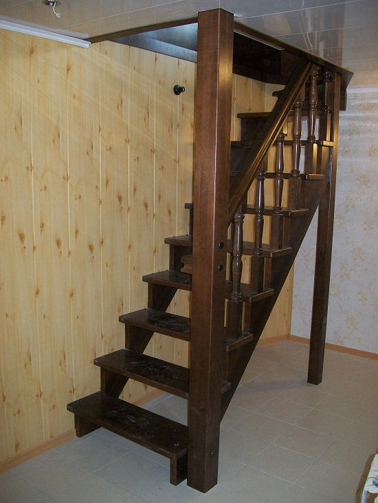 Лестницы на второй этаж эконом класса своими руками