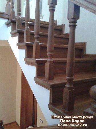 Как облагородить бетонную лестницу деревом